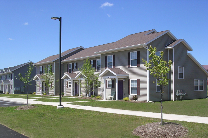 Island Hollow Townhomes & Senior Apartments